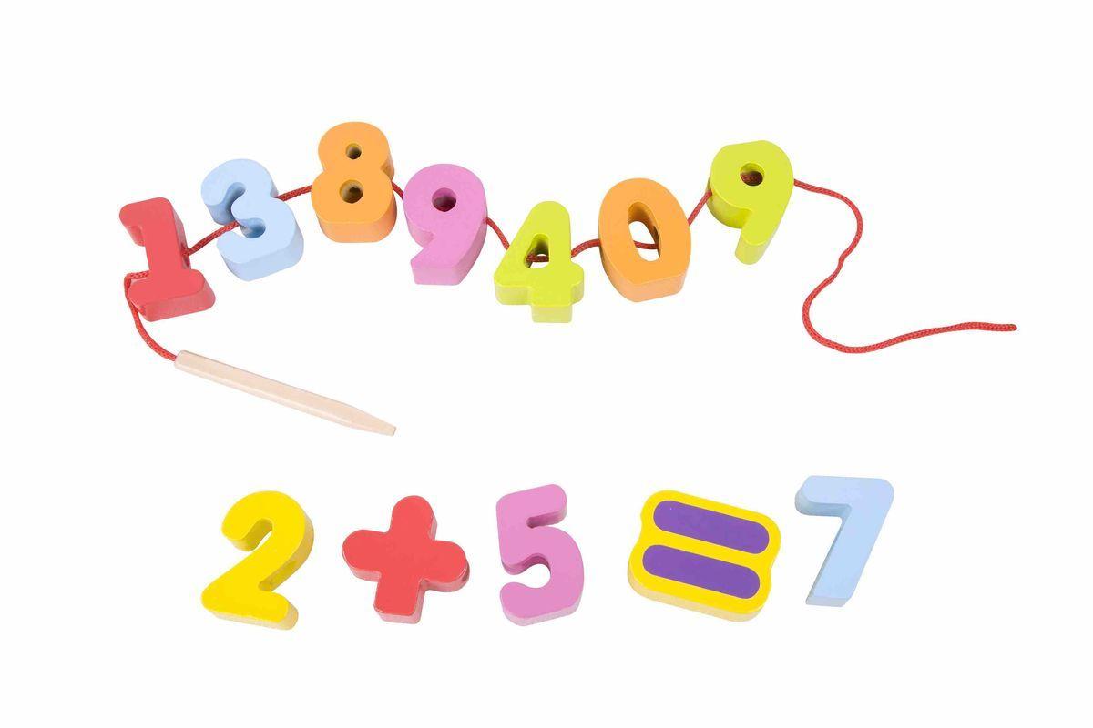 Classic World Развивающая игра-шнуровка Веселая математика3637Оригинальная игра-шнуровка Веселая математика с крупными фигурками из дерева. Размер каждой цифры 4 на 2 см. Подходит для самостоятельной игры ребенка и развивающих занятий. Каждая фигура представляет из себя яркую игрушку. Шнуровка 45 см поможет ребенку расставить цифры в правильном порядке и выучить математические знаки и действия. Благодаря тому, что на шнуровку можно нанизывать предметы в разном порядке, вы сможете составлять с ребенком интересные истории и нанизывать детали согласно этапам развития сказки. Игра-шнуровка поможет развить мелкую моторику, глазомер, усидчивость. Игра способствует улучшению координации движений, гибкости кисти и раскованности движений вообще, что является залогом отсутствия проблем с письмом в школе. Как любое упражнение на развитие мелкой моторики, игрушка активизирует развитие речи. Игрушка выполнена из высококачественных материалов, а значит вы будете уверены в безопасности Вашего ребёнка.