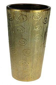 Ваза Русские Подарки, высота 40 см. 1462414624Ваза Русские Подарки, выполненная из керамики, украсит интерьер вашего дома или офиса. Оригинальный дизайн и красочное исполнение создадут праздничное настроение. Такая ваза подойдет и для цветов, и для декора интерьера. Кроме того - это отличный вариант подарка для ваших близких и друзей. Правила ухода: регулярно вытирать пыль сухой, мягкой тканью. Размер вазы: 18 х 18 х 40 см.