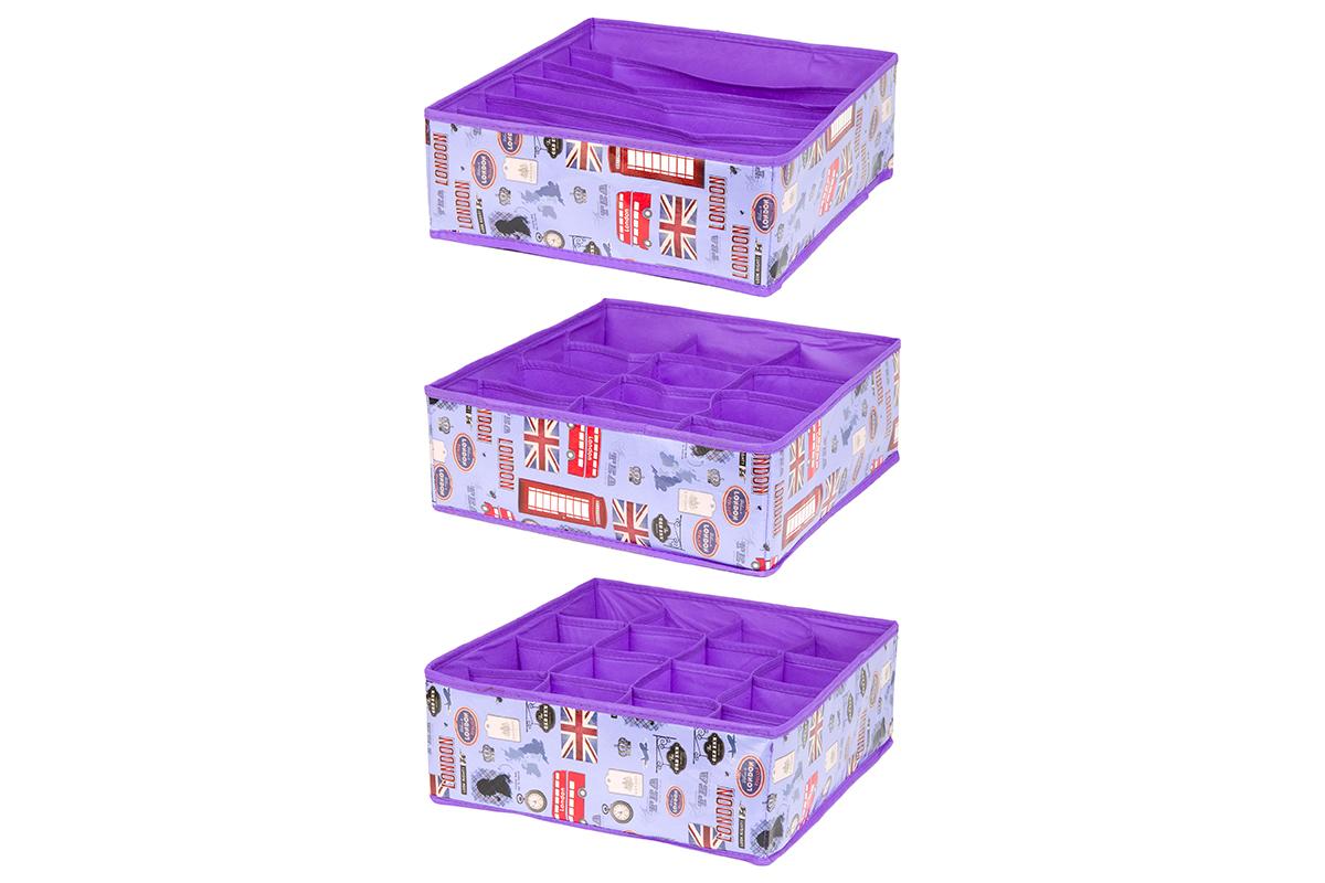 Набор кофров для хранения EL Casa Красочный Лондон, 32 х 32 х 12 см, 3 шт370507Набор EL Casa Красочный Лондон состоит из трех кофров для хранения. Кофры выполнены из качественного полиэстера, который обеспечивает естественную вентиляцию, отлично пропускает воздух, но не пропускает пыль. Благодаря специальным вставкам из картона кофры прекрасно держат форму. Все кофры содержат разное количество секций. Первый кофр содержит 16 секций для хранения носков и трусов, второй - 12 секций, а третий - 6 продолговатых секций, которые идеальны для бюстгальтеров. Для удобства использования кофры не имеют крышки. Изделия декорированы яркими рисунками и имеют оригинальный дизайн. Легко складываются и раскладываются. Они помогут хранить вещи компактно и удобно. Подходят для размещения в шкафу, комоде.