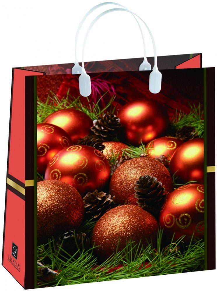 Пакет подарочный Bello, 23 х 10 х 26 см. BAS 93BAS 93Подарочный пакет Bello, изготовленный из пищевого полипропилена, станет незаменимым дополнением к выбранному подарку. Дно изделия укреплено плотным картоном, который позволяет сохранить форму пакета и исключает возможность деформации дна под тяжестью подарка. Для удобной переноски на пакете имеются две пластиковые ручки. Подарок, преподнесенный в оригинальной упаковке, всегда будет самым эффектным и запоминающимся. Окружите близких людей вниманием и заботой, вручив презент в нарядном, праздничном оформлении. Грузоподъемность: 12 кг. Морозостойкость: до -30°С.