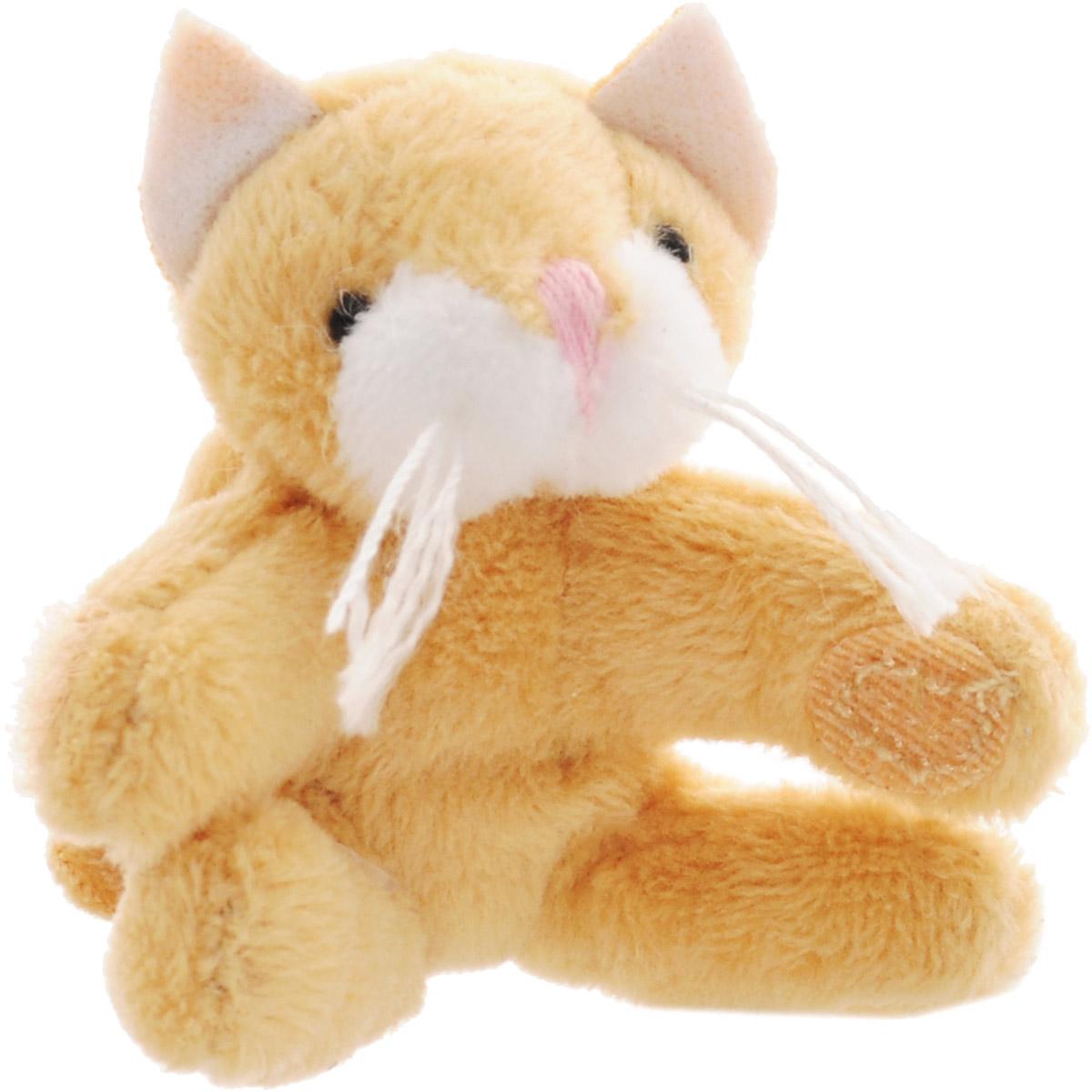 Beanzees Мягкая игрушка Котенок Whiskers 5 смB31001_WhiskersСимпатичная миниатюрная мягкая игрушка Beanzees Котенок Whiskers - это игрушка три в одном. Ее приятно держать в руках, увлекательно коллекционировать, а также эти игрушки можно соединять между собой с помощью липучек и носить как оригинальное украшение на шею или на руку. По легенде эти крошечные животные обитают все вместе в волшебном лесу под названием Бинзилэнд, в котором всегда ярко светит солнышко и цветут цветы. Размер игрушки 5 см, она выполнена из мягкого гипоаллергенного материала, набивка - синтетическое волокно, в том числе специальные пластиковые гранулы, делающие эту игрушку замечательным антистрессом. На лапках котенка располагаются маленькие текстильные липучки, с помощью которых игрушку можно соединять с другими.