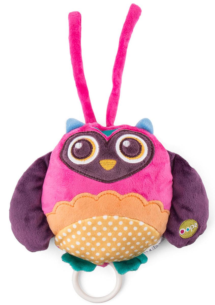 Oops Музыкальная игрушка-подвеска СоваO 12002.00_cоваМузыкальная игрушка-подвеска Oops Сова изготовлена из мягкого и приятного на ощупь текстиля приятных цветов в виде милой совы. Если вы потяните за пластиковое кольцо вниз, малыш услышит негромкую успокаивающую мелодию, которая заменит наскучившие колыбельные и поможет ему заснуть. Игрушка-подвеска выполнена из гипоаллергенного волокна. Крепится к кровати с помощью специальных веревочек. Игрушка-подвеска Oops Сова развивает слух, моторику, зрительно-цветовое восприятие и обладает релаксирующим воздействием.