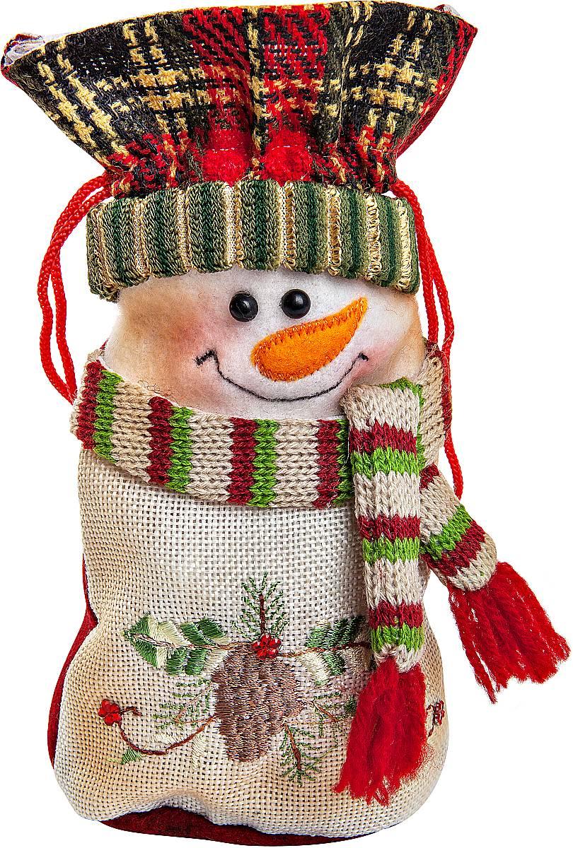 Мешок для подарков Mister Christmas Снеговик, длина 20 смCHL-368SMМешок для подарков Mister Christmas Снеговик выполнен из полиэстера в виде мягкой фигуры снеговика. В мешочек можно спрятать подарки. Такой аксессуар особенно актуален в преддверии новогодних праздников. Откройте для себя удивительный мир сказок и грез. Почувствуйте волшебные минуты ожидания праздника, создайте новогоднее настроение вашим дорогим и близким.