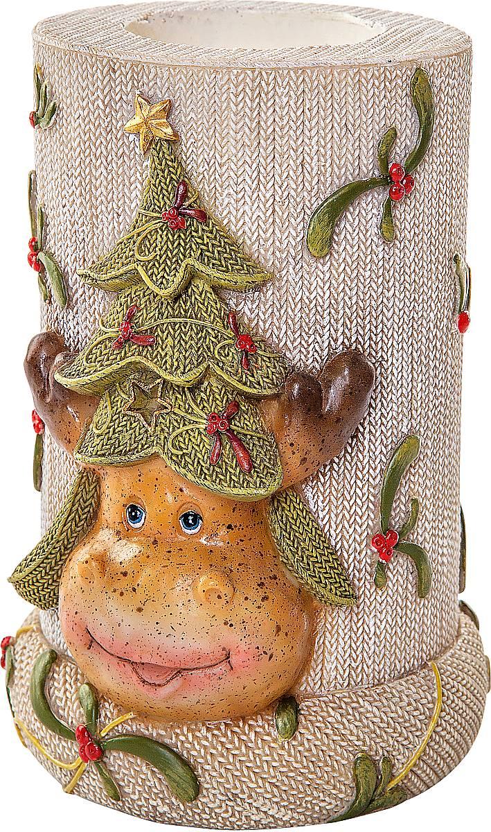 Подсвечник Mister Christmas Олень, высота 12 смSM-26Подсвечник Mister Christmas Олень выполнен из полистоуна и оснащен углублением для чайной свечи. Оригинальный дизайн и красочное исполнение создадут праздничное настроение. Вы можете поставить такой подсвечник в любом месте, где он будет удачно смотреться, и радовать глаз. Кроме того такой он станет отличным вариант подарка для ваших близких и друзей в преддверии Нового года.