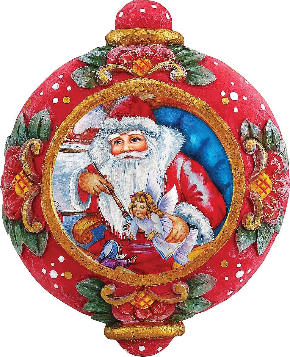 Украшение новогоднее подвесное Mister Christmas Дед Мороз, коллекционное, высота 10 смUS 6102415Коллекционное украшение Mister Christmas Дед Мороз прекрасно подойдет для праздничного декора вашего дома. Изделие выполнено из полистоуна и оснащено креплением для подвешивания на елку. Новогодние украшения несут в себе волшебство и красоту праздника. Они помогут вам украсить дом к предстоящим праздникам и оживить интерьер. Создайте в доме атмосферу тепла, веселья и радости, украшая его всей семьей. Кроме того, такая игрушка станет приятным подарком, который надолго сохранит память этого волшебного времени года. Высота украшения: 10 см.
