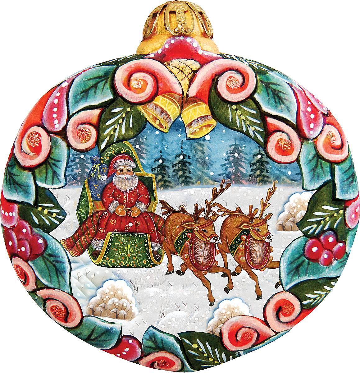 Украшение новогоднее подвесное Mister Christmas, высота 10 см. US 610313US 610313Коллекционное украшение Mister Christmas прекрасно подойдет для праздничного декора вашего дома. Изделие выполнено из полистоуна и креплением для подвешивания на елку. Новогодние украшения несут в себе волшебство и красоту праздника. Они помогут вам украсить дом к предстоящим праздникам и оживить интерьер. Создайте в доме атмосферу тепла, веселья и радости, украшая его всей семьей. Кроме того, такая игрушка станет приятным подарком, который надолго сохранит память этого волшебного времени года. Высота украшения: 10 см.