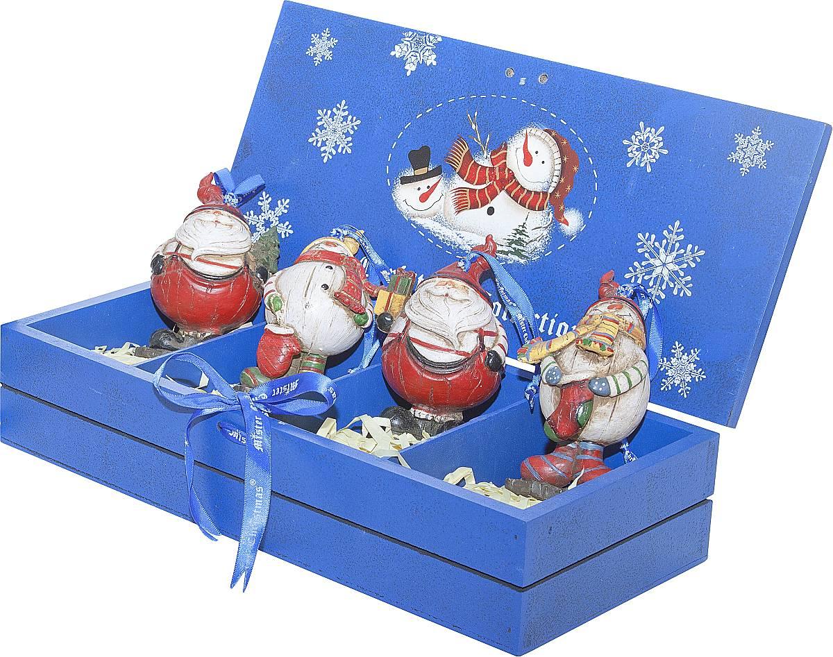 Набор новогодних подвесных украшений Mister Christmas, длина 8,5 см, 4 шт. LH-F2LH-F2-SET/4Набор подвесных украшений Mister Christmas поможет стильно украсить новогоднюю елку. Изделия, выполненные из полистоуна в виде любимых нами Деда Мороза и снеговика, не оставят равнодушным никого, кто придет в ваш дом. Такие украшения не боятся падения, света или влаги и несмотря на размер достаточно легкие. Игрушки оснащены петелькой для подвешивания. Набор упакован в коробку из натуральной древесины, выкрашенную в насыщенный голубой цвет и украшенную рисунком. Такие украшения станут превосходным подарком к Новому году, а так же дополнят коллекцию оригинальных новогодних елочных игрушек.