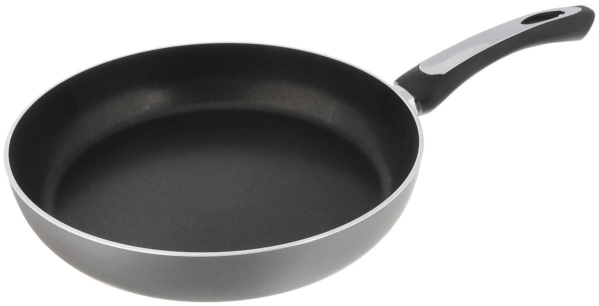 Сковорода Scovo President, с антипригарным покрытием. Диаметр 28 смSP-005Сковорода Scovo President выполнена из алюминия и имеет антипригарное покрытие. Покрытие исключает прилипание и пригорание пищи к поверхности посуды, обеспечивает легкость мытья посуды, исключает необходимость использования большого количества масла, что способствует приготовлению здоровой пищи с пониженной калорийностью. Сковорода оснащена пластиковой ручкой, благодаря чему она удобно уместится в руке и не выскользнет. Сковорода подходит для газовых, электрических и стеклокерамических плит. Также ее можно мыть в посудомоечной машине. Диаметр сковороды: 28 см. Высота стенки: 5,5 см.