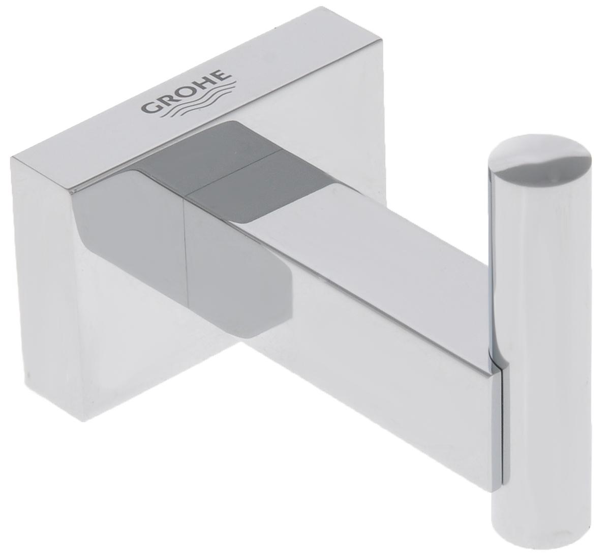 Крючок для банного халата Grohe Essentials Cube40511001С помощью прочного и стильного крючка Grohe Essentials Cube у вашего уютного банного халата появится в ванной комнате свое почетное место, где вы всегда сможете его найти, как только он вам потребуется. Этот аксессуар с элегантным хромированным покрытием станет завершающим штрихом в интерьере ванной комнаты.