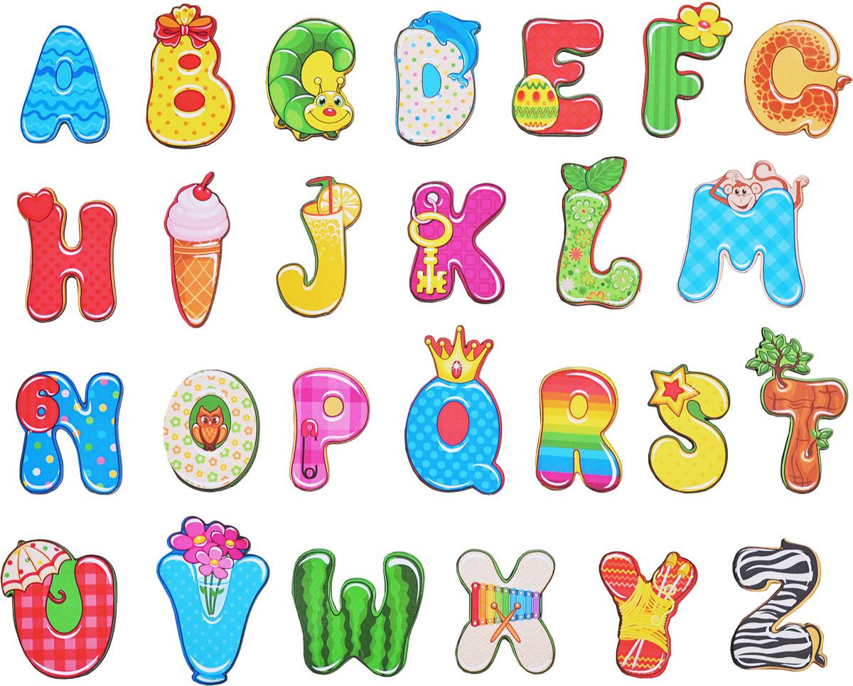 Фабрика Мастер игрушек Обучающая игра Веселый английский алфавитIG0016Обучающая игра Фабрика Мастер игрушек Веселый английский алфавит познакомит ребенка с английскими буквами, а забавные картинки сделают обучение веселым и увлекательным. Благодаря магнитам алфавит можно прикрепить к металлической доске или холодильнику. Вначале нужно показать ребенку, как играть с этой игрушкой. Для этого сами составьте буквы в правильном порядке и попросите малыша запомнить, где какая буква стоит. Обязательно называйте буквы вслух, чтобы ребенок запоминал их названия. Затем попросите ребенка отвернуться или закрыть глаза и поменяйте буквы местами, а малыш, повернувшись, должен угадать, что изменилось и вернуть буквы на свои места. Такая игра не только помогает выучить буквы, но и развивает внимательность и тренирует память.