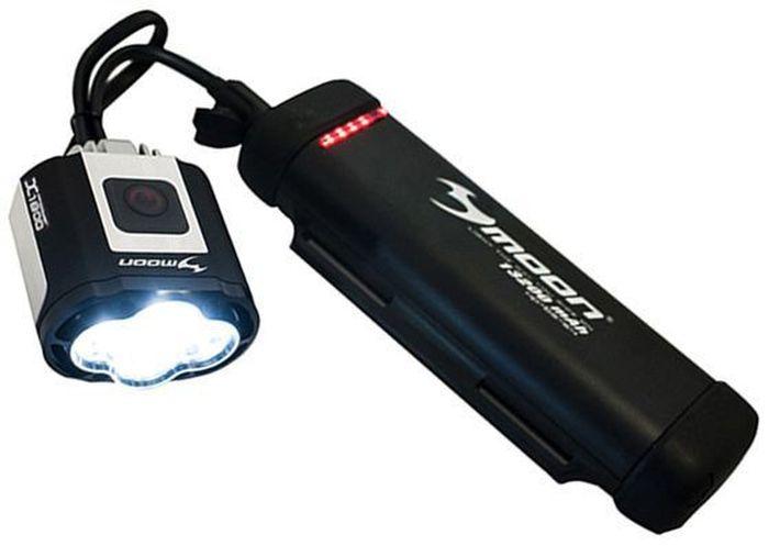 Фонарь передний Moon X-Power1800, 4 диода, 7 режимовWP_X-Power1800_W4 сверх-ярких супер белых LED светодиода 7 вариантов работы : Стандарт / Высоко / Максимум / Слабо /Стробоскоп / Мигание /SOS / Оптические линзы Крепление на шлем Защита от перегрева Индикатор режима XP-BS-SS4 Индикатор разряда и полной зарядки аккумулятора Функция автоматического отключения при полной зарядке Быстросъемное крепление (22-31.8mm ) lithium ion аккумулятор ( 7.4V 5200 mAh) размер: 56x40x62mm Зарядное устройство (100-240 volts) с индикацией зарядки