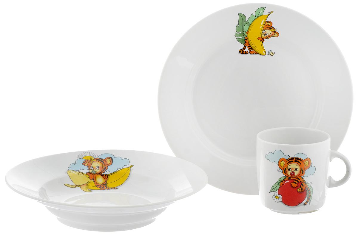 Набор детской посуды Фарфор Вербилок Тигрята, 3 предмета18131520Набор посуды Тигрята изготовлен из высококачественного экологически чистого фарфора. В набор входят 3 предмета: кружка детская, плоская тарелка и тарелка для супа. Посуда оформлена красочными рисунками. Набор, несомненно, привлечет внимание вашего ребенка и не позволит ему скучать. Порадуйте своего ребенка этим замечательным набором! Диаметр кружки: 7 см. Высота кружки: 7,5 см. Диаметр тарелки для супа: 19,5 см. Высота тарелки для супа: 4 см. Диаметр плоской тарелки: 20 см. Высота плоской тарелки: 2,5 см.