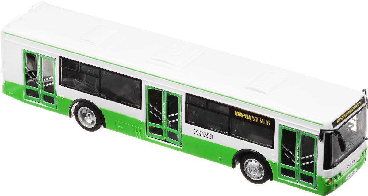 ТехноПарк Автобус инерционный цвет белый зеленыйX600-H09065-RИнерционный автобус ТехноПарк представляет собой игрушечный городской транспорт. Автобус - самый распространенный вид наземного транспорта. Теперь у мальчика будет такая игрушка, которая очень похожа на настоящий автотранспорт. Ребенок может играть с ним, воображать себя водителем, строить остановки и многое другое, что позволит детская фантазия. Игрушка обладает инерционным механизмом. Стоит отвести автобус назад, затем отпустить - и он сам поедет вперед. Двери автобуса открываются при нажатии на них и закрываются, если нажать на кнопку сверху. Также у автобуса открывается задний багажник, в который пассажиры могут сложить свои вещи. Автобус выполнен из качественных и безопасных материалов. Рекомендуется докупить 3 батарейки напряжением 1,5V типа LR44 (товар комплектуется демонстрационными).