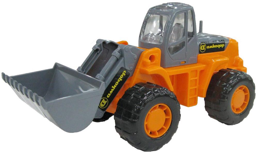 Трактор-погрузчик Умелец, цвет оранжевый35400Яркий трактор-погрузчик Умелец, изготовленный из прочного безопасного материала, отлично подойдет ребенку для различных игр. Трактор оснащен большим ковшом, с помощью которого можно перемещать материалы (камушки, песок, веточки и др.), убирать строительный мусор или расчищать площадку. Большие колеса со свободным ходом обеспечивают игрушке устойчивость и хорошую проходимость. Ваш юный строитель сможет прекрасно провести время дома или на улице, воспроизводя свою стройку. Характеристики: Материал: пластик, металл. Размер трактора: 25 см x 10,5 см x 11,5 см.
