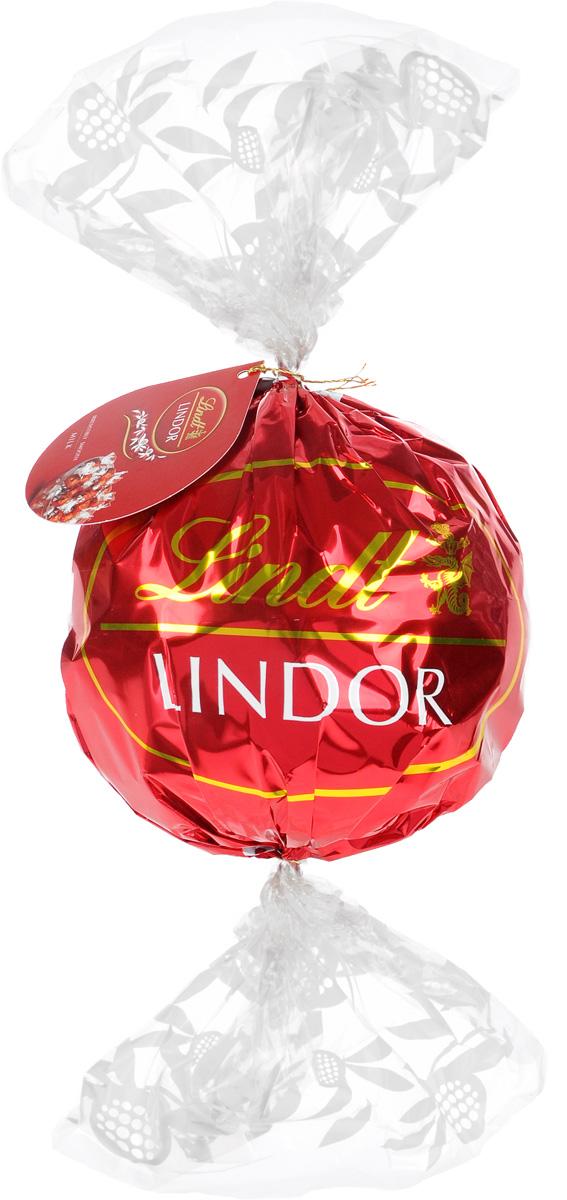 Lindt Lindor Макси-болл шоколадные конфеты, 550 г (подарочная упаковка)8003340097435Дарите моменты блаженства с Lindt Lindor. Откройте для себя нежнейший тающий шоколад в оригинальной подарочной упаковке, легко превращающейся в элегантную вазу. Набор состоит из 44 конфет. Уважаемые клиенты! Обращаем ваше внимание, что полный перечень состава продукта представлен на дополнительном изображении.