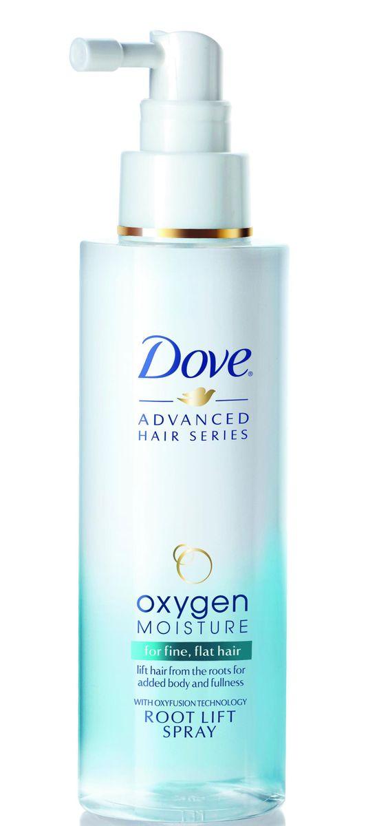 Dove Advanced Hair Series Спрей для волос Легкость кислорода 150 мл67040179Линия Dove Легкость кислорода создана специально для ухода за тонкими безжизненными волосами. Теперь не нужно выбирать между глубоким питанием и естественным объемом волос. Уникальная* линия Dove Легкость кислорода с технологией Oxyfusion содержит ультралегкие питающие компоненты, которые мгновенно проникают в структуру волоса, помогая восполнять влагу внутри него, одновременно придавая до 95% дополнительного объема от корней до кончиков**. Спрей для прикорневого объема Dove легкость кислорода действует именно там, где волосы быстро теряют свой объем - у корней. Он приподнимает волосы, придавая им дополнительный объем и форму. Вдохните жизнь в поврежденные волосы вместе с Dove Легкость кислорода! * В линейке Unilever. **Инструментальный тест по сравнению с волосами до мытья