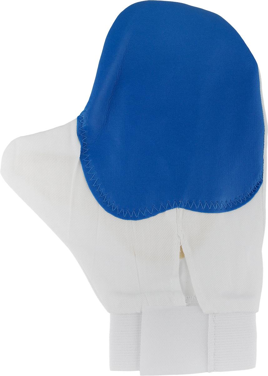Рукавица для чистки животных Каскад, массажная, с антистатическим эффектом, цвет: синий, белый, желтый17500039_синий, белый, желтыйРукавица Каскад предназначена для чистки шерсти у животных. Она выполнена из хлопчатобумажной ткани и имеет вставку с шипами из резины. Благодаря такой рукавице вы сможете удалить старую шерсть и грязь с вашего питомца. Закругленные кончики шипов мягко и бережно воздействуют на кожу животного, создавая массажный эффект. Манжета рукавицы выполнена из эластичной резинки и фиксируется на руке с помощью липучки. Рукавица Каскад отлично подойдет для повседневного ухода за шерстью вашего домашнего питомца. Размер изделия: 24 х 17,5 см.