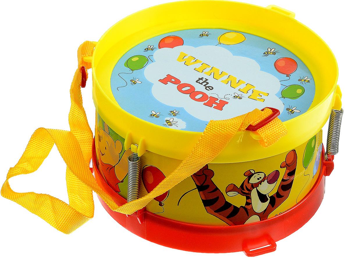 Играем вместе Барабан Disney ВинниB64115-R1Барабан Играем вместе Disney Винни не позволит скучать вашему малышу. Барабан выполнен из безопасного и прочного пластика, оформлен изображениями персонажей диснеевского мультфильма Винни и его друзья. Палочки также выполнены из пластика. Яркая расцветка барабана привлечет внимание и поднимет настроение малыша. Эта веселая игрушка поможет привить ребенку любовь к музыке. Интересными особенностями дизайна игрушки, помимо многочисленных принтов, является наличие ремешков, которые позволяют удобно фиксировать барабан на нужном уровне. Барабан Играем вместе Disney Винни поможет развить слух, чувство ритма и музыкальные способности малыша, и он порадует вас веселым концертом!