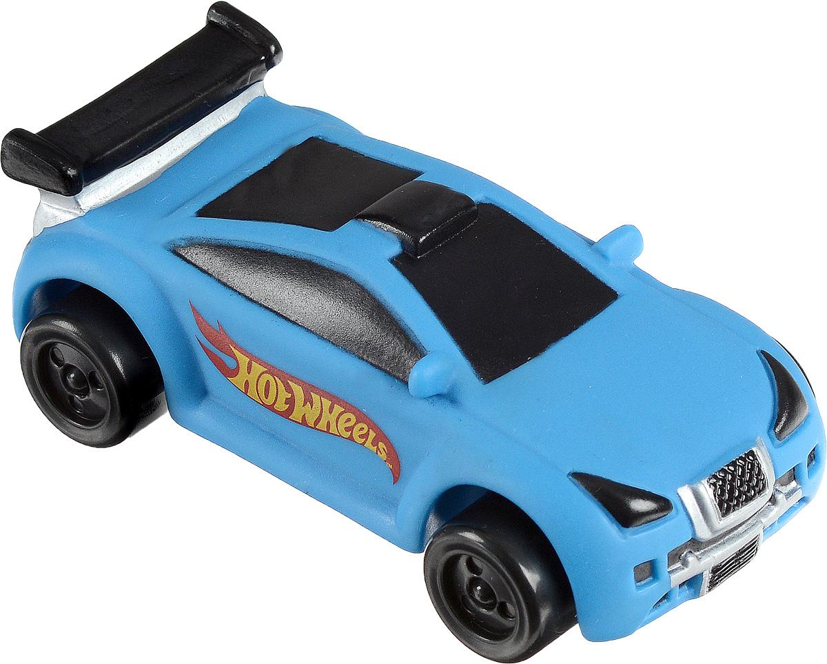 Играем вместе Машинка Hot Wheels цвет голубой8R-WLSМашинка Играем вместе Hot Wheels не оставит равнодушным вашего юного автолюбителя. Это яркая игрушка, которая моментально привлекает к себе внимание. Элементы машинки декорированы разноцветной надписью. Игрушка оснащена интерактивным эффектом подсветки и обладает звуковым модулем, имитирующим шум двигателя. Играя с такой машинкой, ваш малыш разовьет воображение и фантазию, ведь так здорово представлять себя водителем, который едет в необыкновенное путешествие. Необходимо купить 2 батарейки напряжением 1,5V типа ААA (входят в комплект)