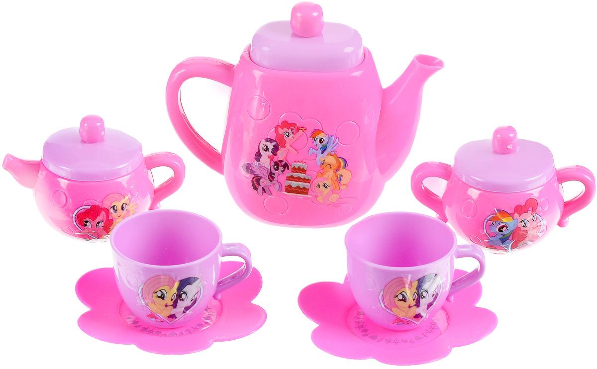 Играем вместе Игрушечный набор посуды My Little Pony цвет розовый сиреневый 7 предметовB1354519-RИгрушечный набор посуды Играем вместе My Little Pony - это комплект самых необходимых предметов для организации веселого чаепития с подружкой. Набор состоит из двух чашечек с блюдцами в форме цветочков, большого чайника, сливочника для молока и сахарницы. Все предметы украшены изображениями героинь любимого девочками мультфильма Мой маленький пони. С таким набором девочка сможет позвать на чай близкую подругу или весело провести время с любимой куклой.
