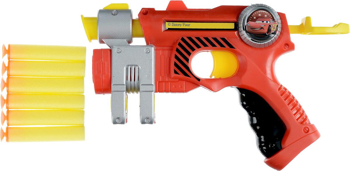 Играем вместе Бластер Тачки с мягкими пулями 6 зарядовB1355382-RБластер Играем вместе Тачки станет прекрасным подарком для юных поклонников популярного мультфильма. Во время нажатия на спусковой крючок, бластер выстреливает мягким снарядом (в комплект входят 6 мягких снарядов). С таким бластером можно будет устроить захватывающие и увлекательные игры, или же просто посоревноваться с друзьями в меткости, стреляя по импровизированным мишеням. Дальность выстрела - 8-12 метров.