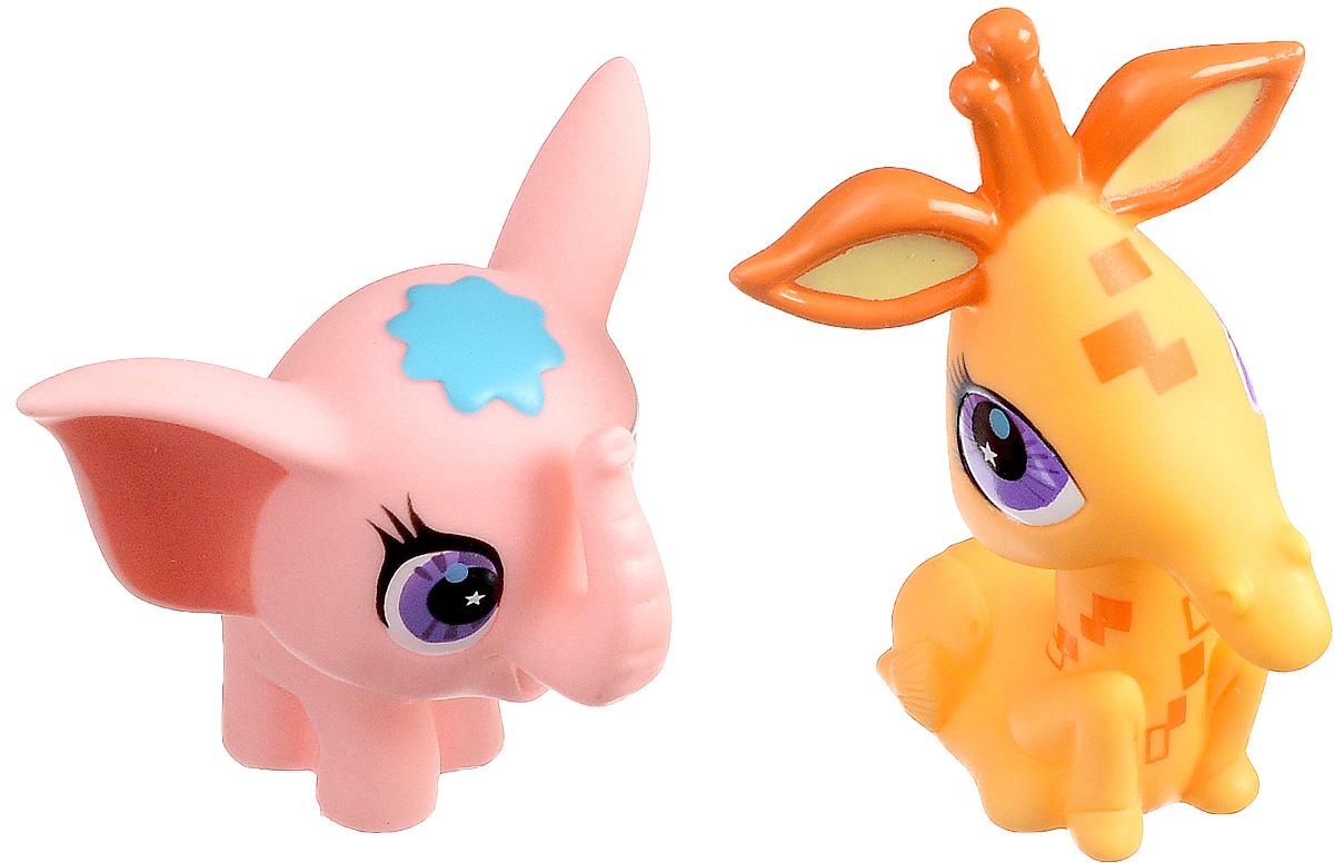Играем вместе Набор игрушек для ванной Littlest Pet Shop Слоненок и жираф167R-PVC_Слоненок и ЖирафС набором игрушек для ванной Играем вместе Littlest Pet Shop принимать водные процедуры станет еще веселее и приятнее. В набор входят две игрушки в виде персонажей мультфильма Маленький зоомагазин. Игрушки могут брызгать водой и пищать. Набор доставит ребенку большое удовольствие и поможет преодолеть страх перед купанием. Игрушки для ванной способствуют развитию воображения, цветового восприятия, тактильных ощущений и мелкой моторики рук.