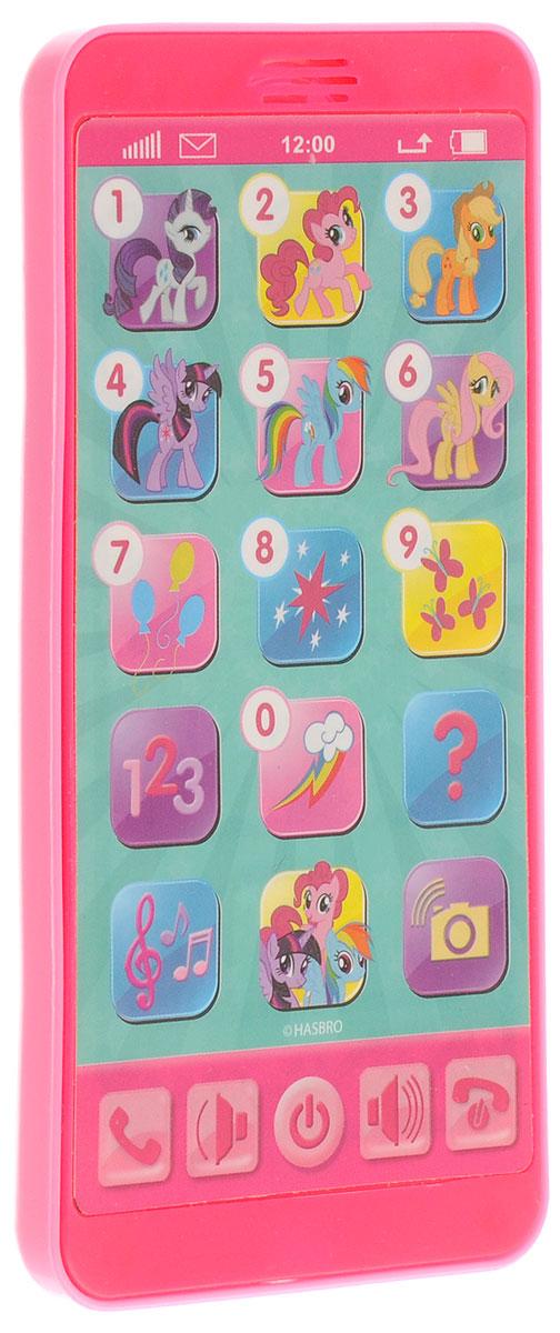 Умка Развивающая игрушка Телефон My Little PonyHX2501-MLPОбучающий телефон My Little Pony отлично подойдет для роли первого детского телефона. На его дисплее можно увидеть персонажей из любимого детского мультфильма My Little Pony. Вместе с любимыми героями познавать мир гораздо интереснее. Он поможет детям разобраться со сложной техникой и научит правильно использовать ее. Играя с телефоном и нажимая различные кнопки, ребенок будет изучать цифры, цвета, а также веселые стишки и песенки. Телефон способен воспроизводить 3 песни, голоса героев, звуки телефона, звуки камеры. Есть кнопка Экзамен, что позволит проверить знания малыша. Сделана игрушка из прочного, высококачественного пластика. Рекомендовано детям от 3-х лет. Для работы игрушки необходимы 3 батарейки типа ААА напряжением 1,5V (товар комплектуется демонстрационными).