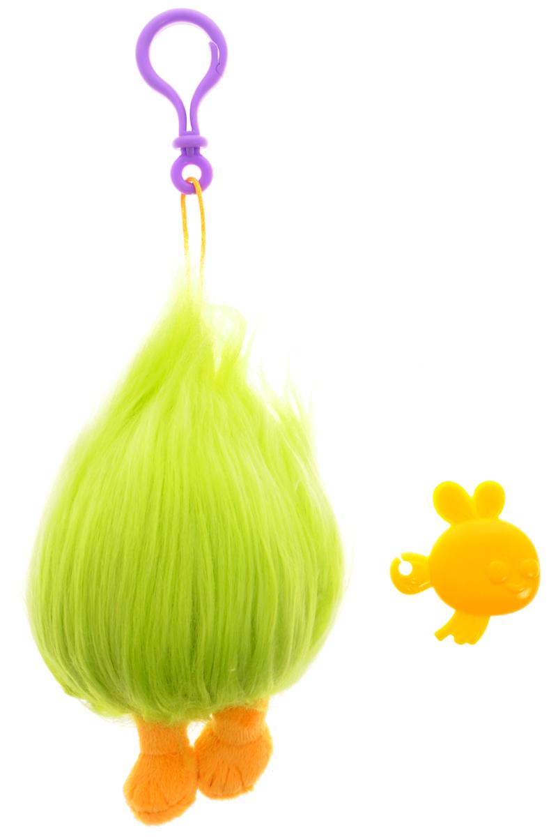 Zuru Брелок Тролль Fuzzbert цвет салатовый оранжевый6202_Салатово-оранжевыйМилые, улыбчивые и очень доброжелательные существа из нового мультфильма Тролли выглядят очень ярко и эффектно. Колоритные персонажи мультфильма отличаются не только яркой внешностью и роскошными, торчащими вверх волосами, но и добрым характером. В свободное время тролли беззаботно веселятся, танцуют и поют песни, а в минуты опасности объединяют свои усилия и смело преодолевают жизненные трудности. Пушистик (Fuzzbert) - самый загадочный тролль. Это целая копна ярко-зеленых волос, из-под которой выглядывает лишь пара ног. Он общается с остальными при помощи гортанных звуков, и, кажется, тролли его отлично понимают. Брелок выполнен из качественного пластика, а волосы - из мягкого текстильного материала. Брелок с практичным пластиковым карабином на прочном шнурке, благодаря чему его можно носить с собой, используя в качестве подвески на телефон, сумочку или рюкзак, а также как украшение на зеркале автомобиля или ключах. Легко поправить растрепавшуюся в процессе эксплуатации...