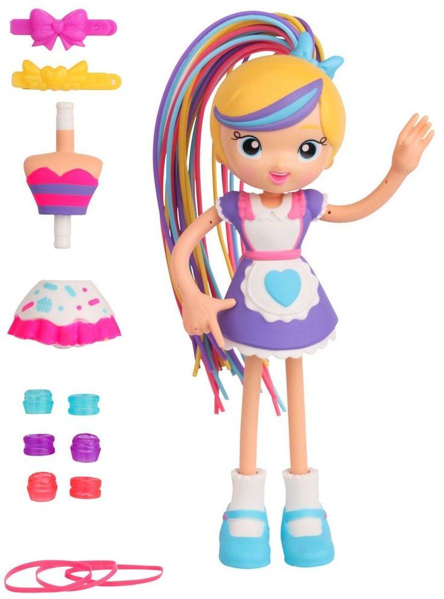 Moose Мини-кукла Повар Бетти59008/ast59000Мини-кукла Moose Повар Бетти - очаровательная жизнерадостная кукла с яркими разноцветными волосами из серии Betty Spaghetty. Детали куклы легко менять. Из куклы-повара легко сделать Бетти-кейк в ярком топе и короткой бело-розовой юбке. Ее волосы, напоминающие тонкую проволоку, можно отстегивать. При помощи большого количества бусин, заколок и резинок, входящих в комплект, ребенок сможет менять кукле прически. Руки и ноги куклы могут гнуться.