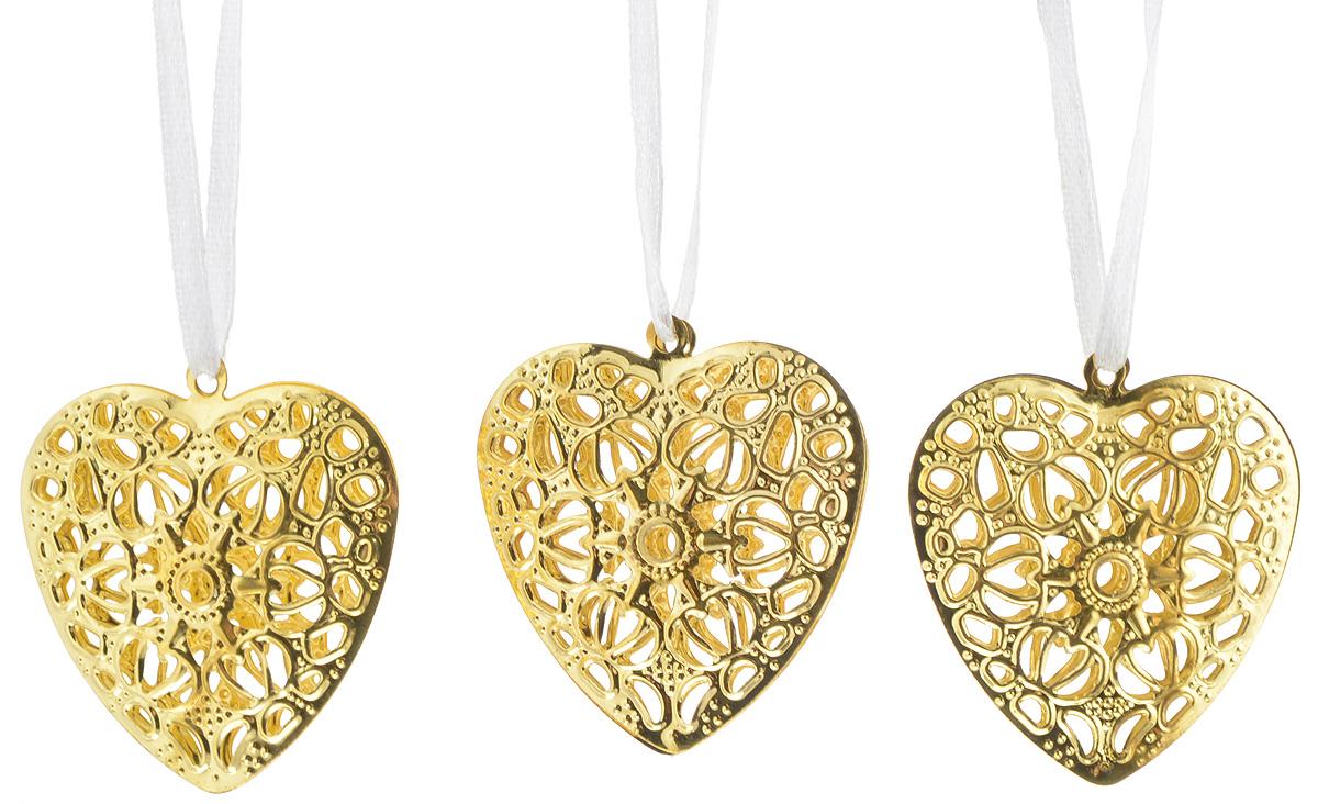 Набор новогодних подвесных украшений House & Holder Сердце, цвет: золотистый, 3 штDP-C40-13-15319_золотистыйНабор новогодних подвесных украшений House & Holder Сердце прекрасно подойдет для праздничного декора новогодней ели. Набор состоит из 3 украшений, выполненных из пластика в виде ажурных сердечек. Для удобного размещения на елке для каждого украшения предусмотрена атласная ленточка. Елочная игрушка - символ Нового года. Она несет в себе волшебство и красоту праздника. Создайте в своем доме атмосферу веселья и радости, украшая новогоднюю елку нарядными игрушками, которые будут из года в год накапливать теплоту воспоминаний.