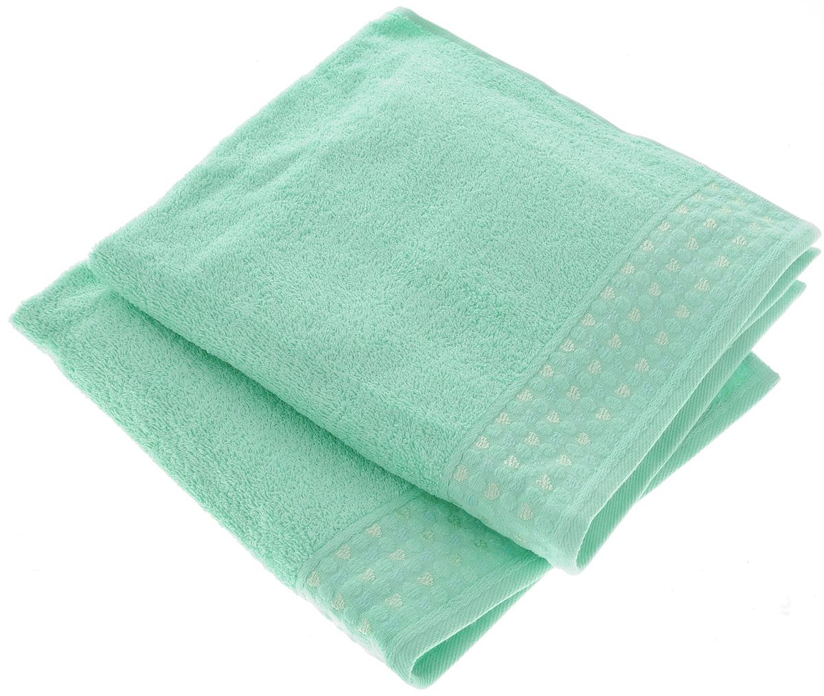 Набор полотенец Tete-a-Tete Сердечки, цвет: бирюза, 50 х 90 см, 2 штУНП-007-02-2кНабор Tete-a-Tete Сердечки состоит из двух махровых полотенец, выполненных из натурального 100% хлопка. Бордюр полотенец декорирован рисунком сердечек. Изделия мягкие, отлично впитывают влагу, быстро сохнут, сохраняют яркость цвета и не теряют форму даже после многократных стирок. Полотенца Tete-a-Tete Сердечки очень практичны и неприхотливы в уходе. Они легко впишутся в любой интерьер благодаря своей нежной цветовой гамме. Набор упакован в красивую коробку и может послужить отличной идеей подарка. Размер полотенец: 50 х 90 см.
