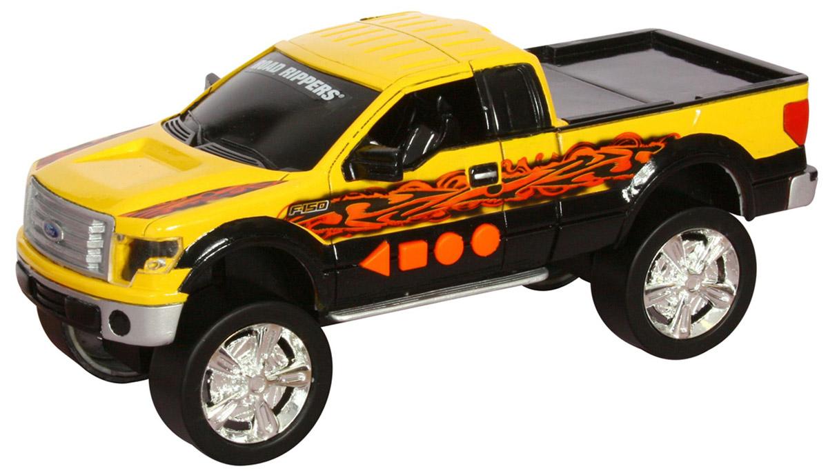 Road Rippers Машинка Ford F-15033460TS_Ford желтыйМашинка Road Rippers Ford F-150 со звуковыми и световыми эффектами, несомненно, понравится вашему ребенку и не позволит ему скучать. Игрушка выполнена в виде яркого пикапа, который трансформируется в кабриолет. С левого бока игрушки имеются четыре функциональные кнопки. При нажатии на первую кнопку машинка резко едет вперед. Вторая кнопка запускает функцию трансформации. Все действия происходят под оригинальные звуковые эффекты. При нажатии на другие кнопки воспроизводятся звуки двигателя, автомобильной сигнализации и играет музыка, фары начинают светиться яркими огоньками. Рекомендуется докупить 3 батарейки напряжением 1,5V типа AА (товар комплектуется демонстрационными).
