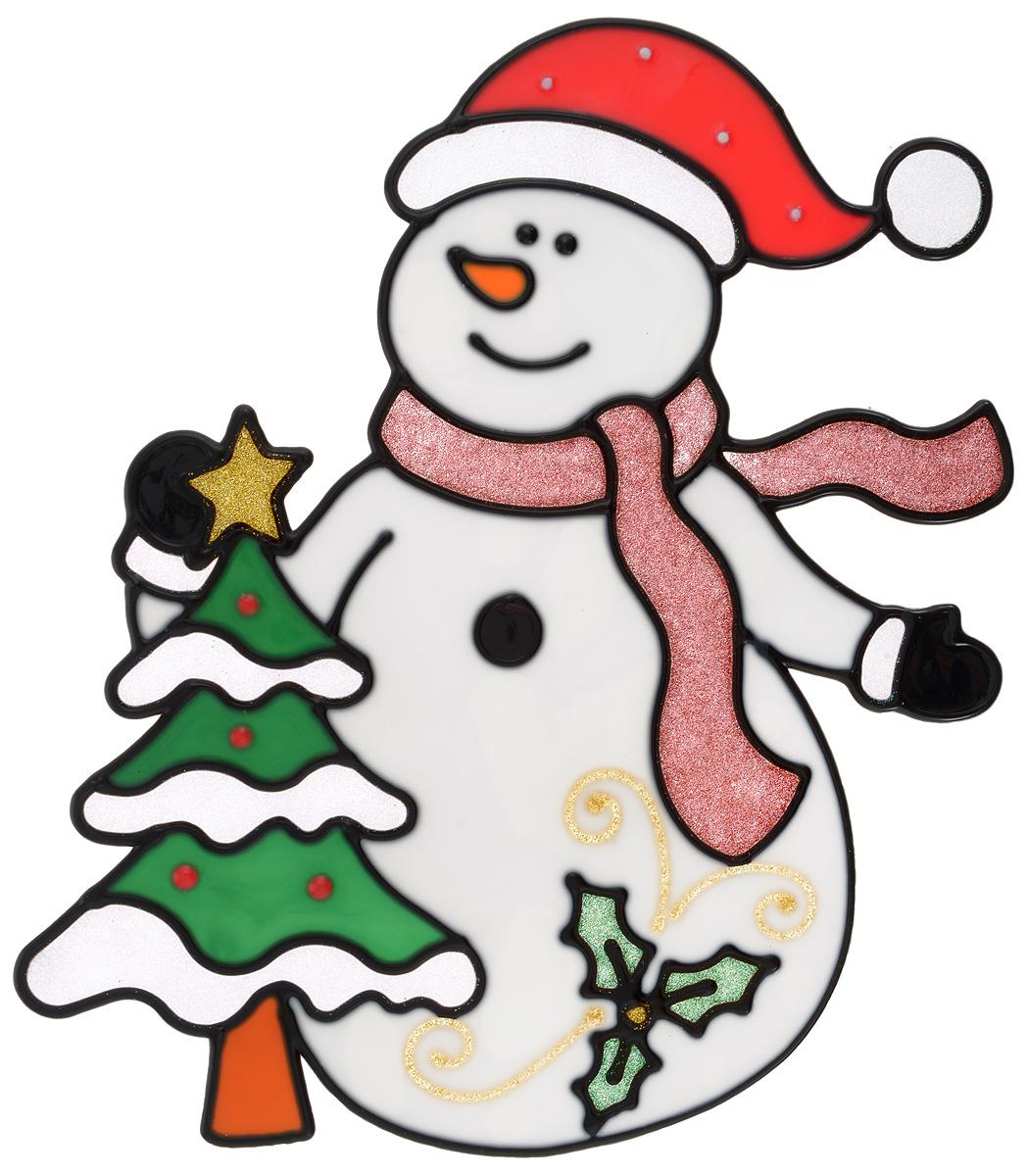 Новогоднее оконное украшение Winter Wings Снеговик с елкой, 21 х 24 смN09204Новогоднее оконное украшение Winter Wings Снеговик с елкой выполнено из геля. С помощью наклейки Winter Wings Снеговик с елкой можно составлять на стекле целые зимние сюжеты, которые будут радовать глаз, и поднимать настроение в праздничные дни! Так же Вы можете преподнести этот сувенир в качестве мини-презента коллегам, близким и друзьям с пожеланиями счастливого Нового Года!