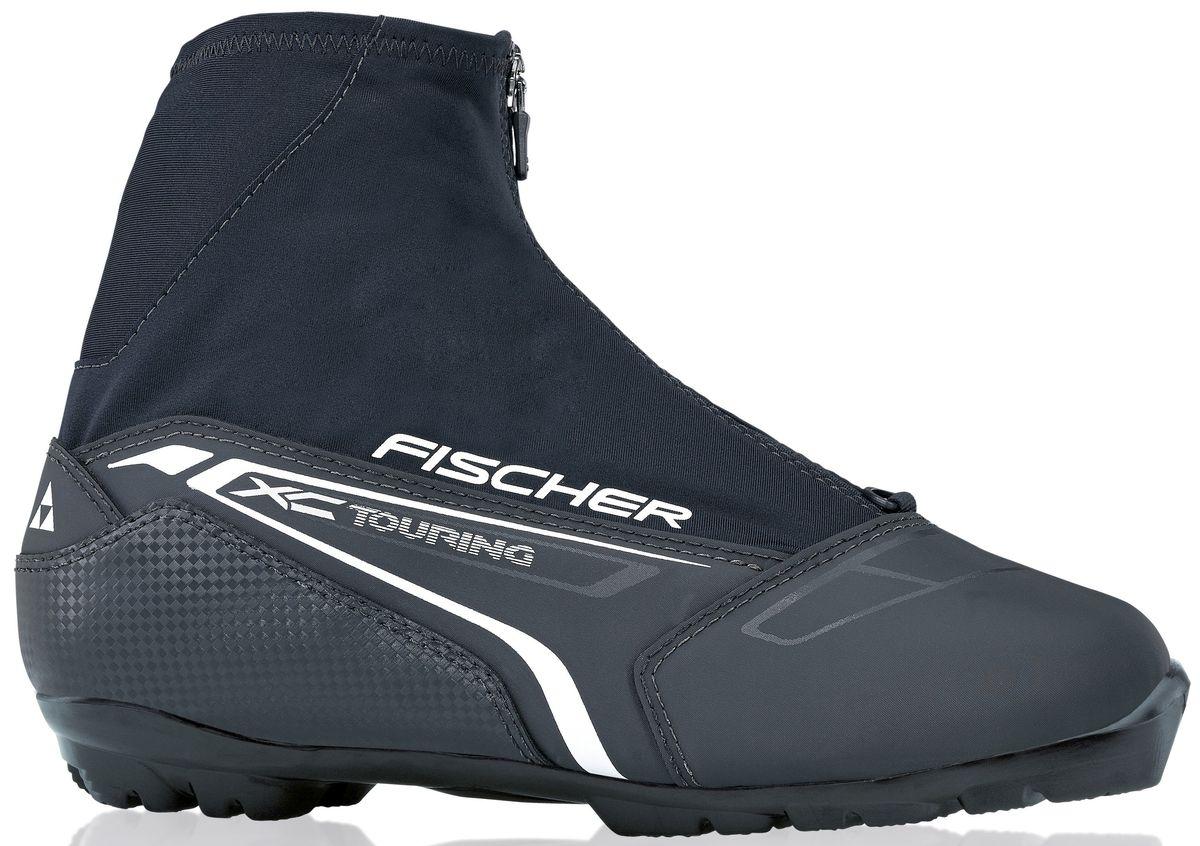 Ботинки лыжные беговые Fischer XC Touring Black, цвет: черный, желтый, белый. S21215. Размер 44S21215Отличный ботинок для лыжных прогулок. Клапан на молнии и водоотталкивающий утеплитель Comfort Guard отлично защищают ноги от холода и влаги. NTERNAL MOLDED HEEL CAP Внутренняя пластиковая вставка анатомической формы в пяточной части. Очень легкая и термоформируемая. GAITER RING Кольцо-крепление, подходящие для всех популярных моделей гамашей, для дополнительной защиты от снега и влаги. LACE COVER Дополнительная защита шнуровки, предотвращает проникновение влаги и холода. CLEANSPORT NXT Специальная пропитка подкладки и стелек ботинок. Система из полезных микробов, которые устраняют неприятный запах. COMFORT GUARD Очень легкий, водоотталкивающий изоляционный материал. Дополнительно защищает от холода мысок и переднюю часть стопы. T3 Полиуретановая подошва с хорошей гибкостью, устойчивая к износу при ходьбе. Также используется в детских ботинках. SPORT FIT CONCEPT Для каждой целевой группы разработан свой тип колодки, который...