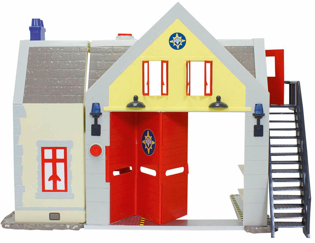 Dickie Toys Игровой набор Пожарная станция со звуком и светом9251062Игровой набор Dickie Toys Пожарная станция выполнен по мотивам мультфильма Пожарный Сэм. При помощи данного набора ребенок сможет почувствовать себя самым настоящим пожарным. В пожарной станции есть 2 этажа. На первом расположен гараж и диспетчерская, а на втором - смотровая площадка и зона отдыха, в которой есть стол и пара стульев. Также в комплекте имеется одна фигурка пожарного. Игрушечная пожарная станция оборудована лесенкой, винтовой лестницей, открывающимися дверями, окнами и большими воротами красного цвета. Наличие световых и звуковых эффектов сделает игру более увлекательной. С таким набором малыш сможет устраивать спасательные операции, воспроизводя сцены из мультфильма или придумывая новые истории. Для работы требуются 2 батарейки АА и 3 батарейки LR 44 (комплектуется демонстрационными).