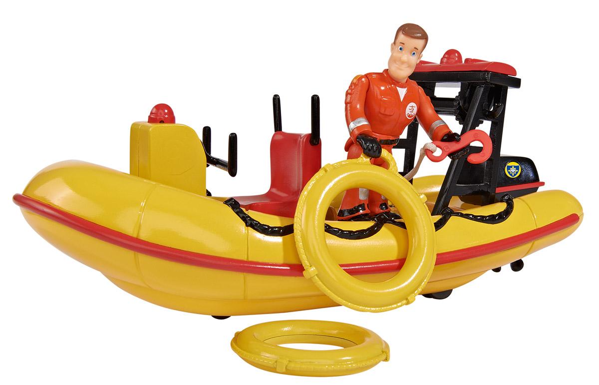 Dickie Toys Лодка спасателей Neptune9251660Чтобы ваш ребенок смог представить себя за рулем спасательной лодки Neptune подарите ему эту точную копию транспортного средства от Dickie Toys. Яркая лодка оснащена звуковым эффектом, который включается, если нажать на кнопку, расположенную на корпусе. К игрушечной лодке прилагается фигурка спасателя с подвижными ногами, руками и поворачивающимся корпусом, которую можно посадит за руль. В комплекте также имеются дополнительные аксессуары, без которых не обойдется ни один спасатель: 2 круга, аптечка, огнетушитель. С таким транспортом Neptune, выполненным по мотивам детского мультика Пожарный Сэм, ребенок сможет разыгрывать спасательные операции на воде. Для работы игрушки необходимы 2 батарейки напряжением 1,5V типа LR03 (ААА) (входят в комплект).