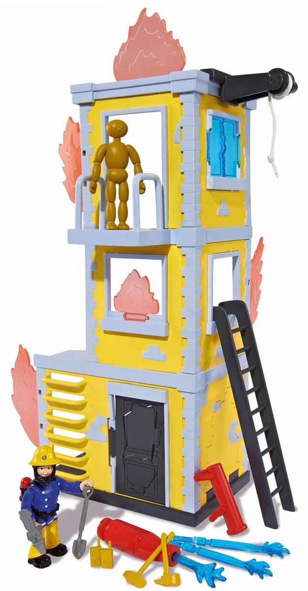 Dickie Toys Игровой набор Большая тренировочная база9257652Игровой набор Dickie Toys Большая тренировочная база выполнен по мотивам мультфильма Пожарный Сэм. При помощи данного набора ребенок сможет почувствовать себя самым настоящим пожарным. Помимо фигурки Сэма и пушки, в набор входит все необходимое для строительства большой тренировочной базы. Особенности этого набора в том, что Сэму необходимо использовать водяную пушку в борьбе с огнем. Пушка заряжается водными зарядами. Для работы пушки нужно выстрелить в цель и при метком попадании огонь погаснет. Также база оснащена пожарной лестницей, которая ведет на второй этаж. С таким набором малыш сможет устраивать спасательные операции, воспроизводя сцены из мультфильма или придумывая новые истории.