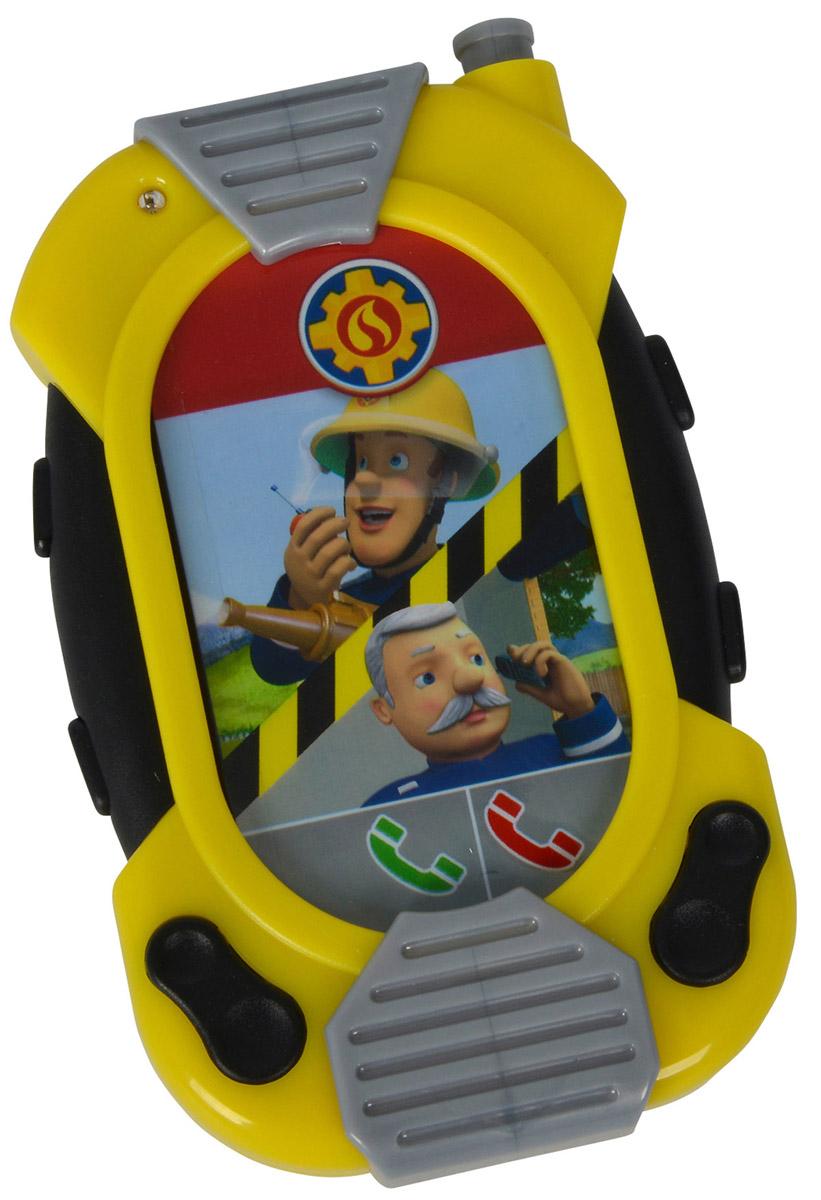 Simba Электронная игрушка Смартфон Messenger9258697Электронная игрушка Simba Смартфон Messenger представляет собой занятную игрушку, функционал которой позволяет создать множество игровых сценариев. Картинки на экране можно прокручивать пальцем, подобно настоящему сенсорному экрану. При нажатии на боковые кнопки этот модный девайс начинает светиться и издавать различные звуки. Рекомендуется докупить 3 батарейки напряжением 1,5V типа LR44 (товар комплектуется демонстрационными).