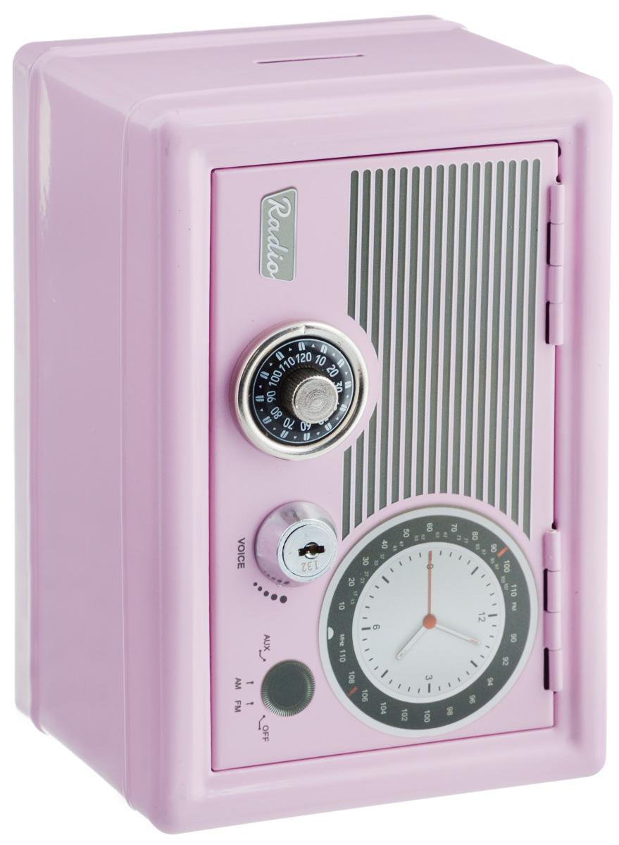 Копилка-сейф Эврика Радио-ретро, с ключами, цвет: розовый97445Копилка-сейф Эврика Радио-ретро своим винтажным дизайном напоминает старинный радиоприемник. Ручка настройки частоты - это на самом деле ручка кодового замка. Замок-щеколда открывается поворотом до характерного звука. Под ним расположен замок, к которому прилагается комплект из двух ключей. Внутри содержатся два отделения - для хранения бумаг и выдвижной пластиковый ящик для мелочи. Сверху расположен слот для монет. Такая копилка станет приятным и практичным подарком, который поможет надежно хранить ценные вещи и деньги. Рекомендуется хранить запасной ключ отдельно, на случай утраты основного.
