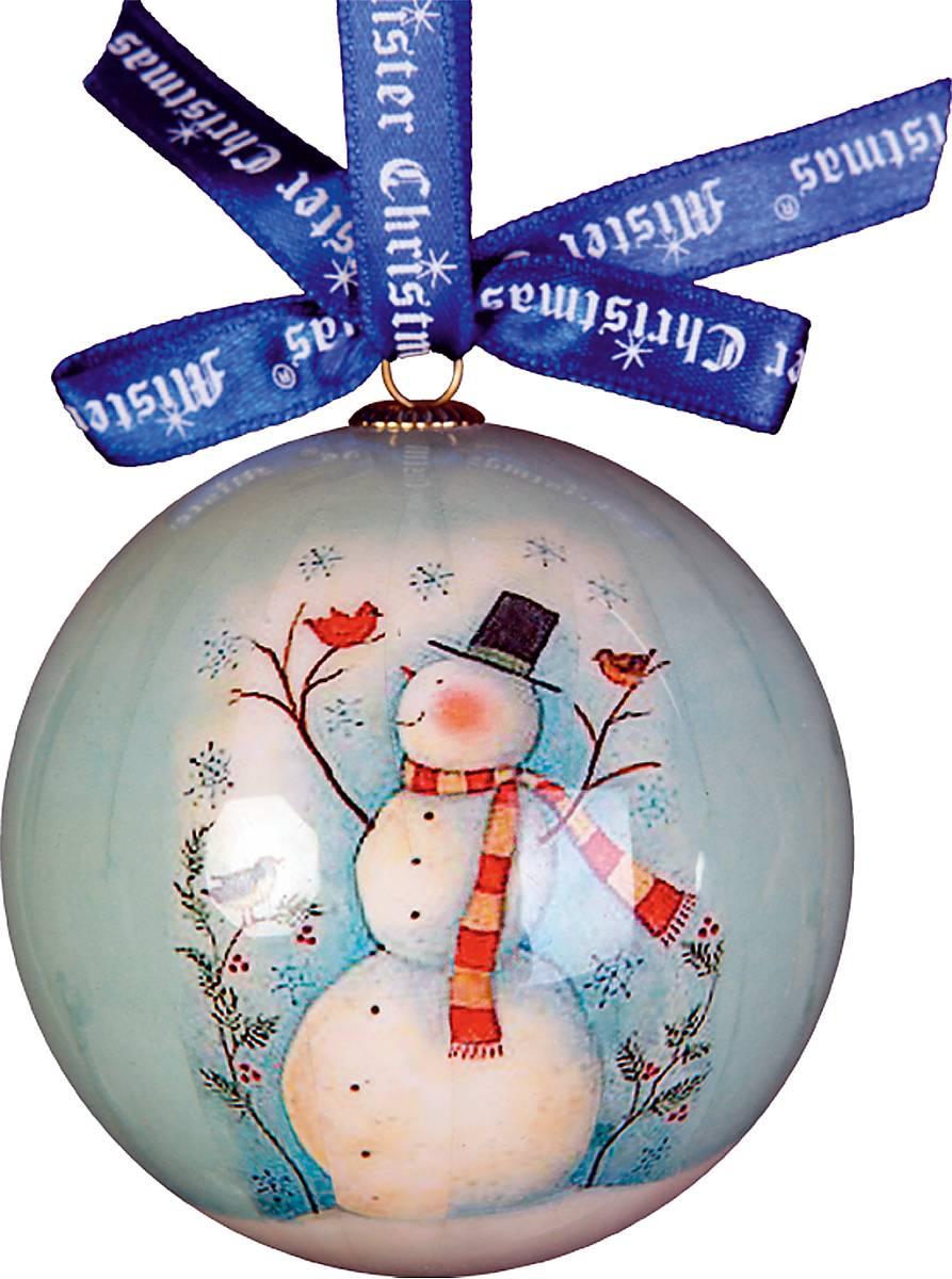 Украшение новогоднее подвесное Mister Christmas Папье-маше, диаметр 7,5 см. PM-1-1GPM-1-1GПодвесное украшение Mister Christmas Папье-маше выполнено по технологии декоративного искусства papier-mache с изображением снеговика. Такой шар очень легкий, но в то же время удивительно прочный. На создание одной такой игрушки уходит несколько дней. И в результате получается настоящее произведение искусства! Изделие оснащено атласной ленточкой с логотипом бренда Mister Christmas для подвешивания. Такое украшение станет превосходным подарком к Новому году, а так же дополнит коллекцию оригинальных новогодних елочных игрушек.