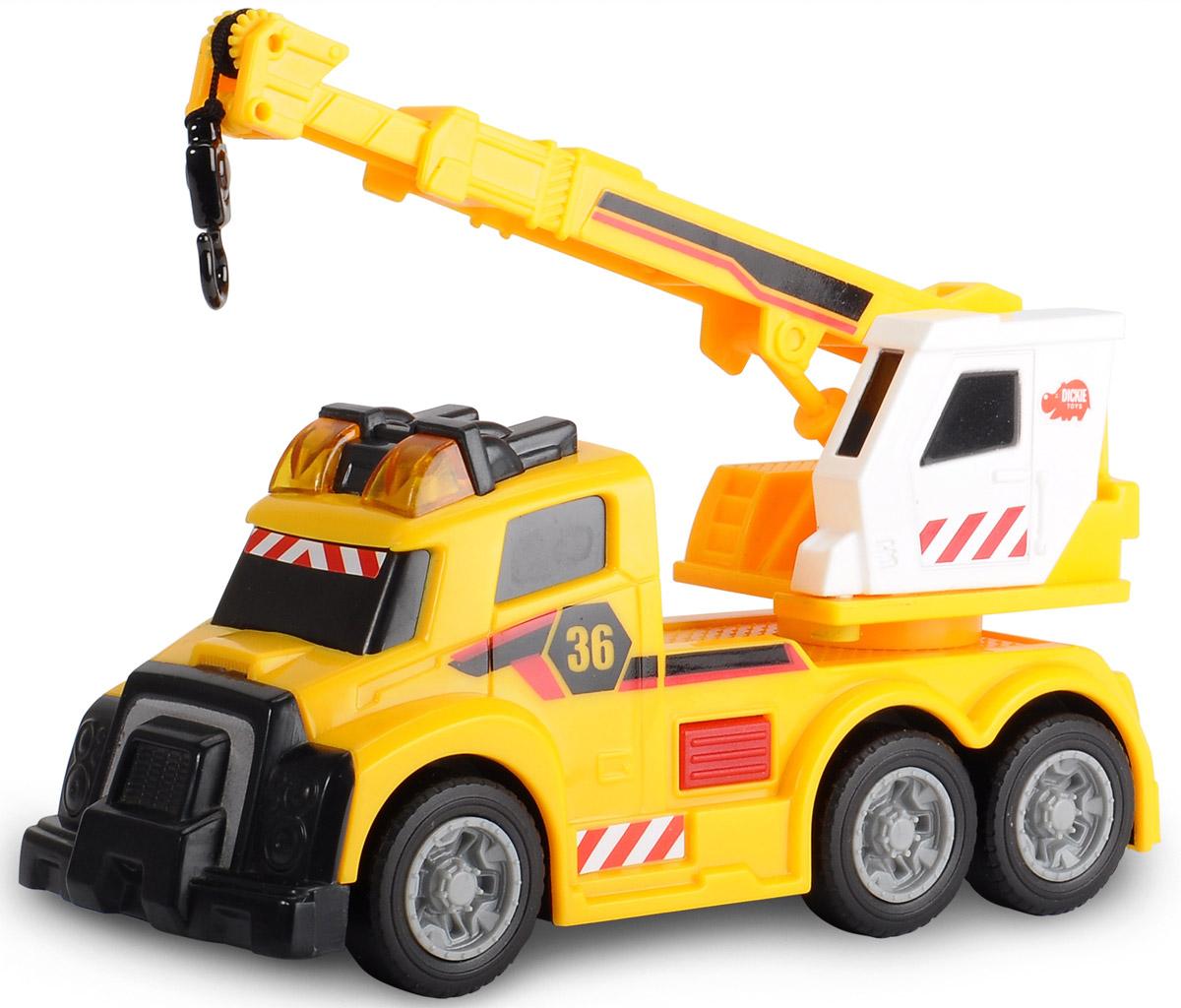 Dickie Toys Автокран цвет желтый3302006Автокран Dickie Toys - интересная машина для ребенка, который увлекается игровой спецтехникой. Машина имеет свободный ход движения, поворотную башню крана. При нажатии на красную кнопку, расположенную рядом с кабиной водителя, стрела крана начинает подниматься-опускаться и выдвигаться. Лебедка управляется вручную. Все это сопровождается световыми и звуковыми эффектами, что придает игре большую реалистичность. Рекомендуется докупить 3 батарейки напряжением 1,5V типа LR41 (товар комплектуется демонстрационными).