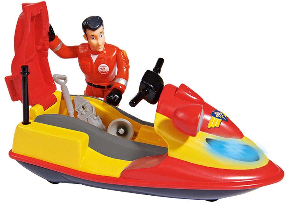Dickie Toys Квадроцикл Juno9251662Чтобы ваш ребенок смог представить себя за рулем водного квадроцикла Juno подарите ему эту точную копию транспортного средства от Dickie Toys. Яркий квадроцикл оснащен встроенными светодиодами, которые включаются, если нажать на кнопку, расположенную на корпусе. К игрушечному гидроциклу прилагается фигурка спасателя с подвижными ногами, руками и поворачивающимся корпусом, которую можно посадит за руль. В комплекте также имеются аксессуары, часть которых помещается под сидением гидроцикла. С таким квадроциклом Juno, выполненным по мотивам детского мультика Пожарный Сэм, ребенок сможет разыгрывать спасательные операции на воде. Необходимы 2 батарейки напряжением 1,5V типа LR03 (ААА) (входят в комплект).