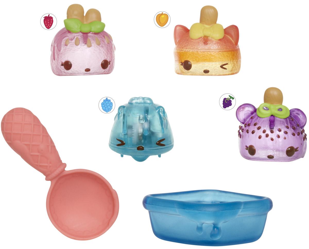 Num Noms Набор фигурок Фрукты замороженные 4 шт544449_фрукты замороженныеНабор фигурок Num Noms Фрукты замороженные - это уникальная возможность создавать замечательные ароматные композиции из забавных игрушек, изображающих различные вкусности! Каждая фигурка имеет свой вкусный запах, а комбинируя сразу несколько Num Noms, можно получить уникальный и неповторимый микс! Одной из особенностей этих милых изделий является то, что основа способна передвигаться при нажатии на специальную кнопочку, а это лишь добавит веселья игровому процессу. Набор из четырех фигурок Num Noms также включает в себя интересные аксессуары, изображающие кухонные принадлежности. Они, вне всякого сомнения, тоже смогут привнести в процесс игры массу веселых моментов!