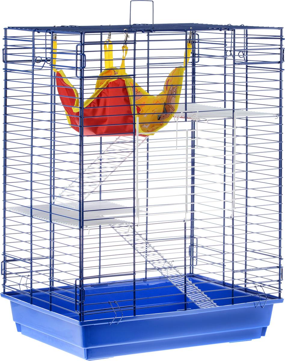 Клетка для шиншилл и хорьков ЗооМарк, цвет: синий поддон, синяя решетка, 59 х 41 х 79 см725жкССКлетка ЗооМарк, выполненная из полипропилена и металла, подходит для шиншилл и хорьков. Большая клетка оборудована длинными лестницами и гамаком. Изделие имеет яркий поддон, удобно в использовании и легко чистится. Сверху имеется ручка для переноски. Такая клетка станет уединенным личным пространством и уютным домиком для грызуна.
