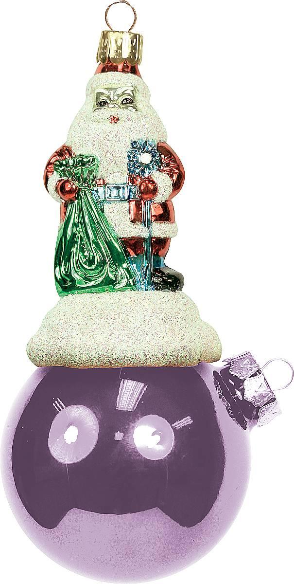 Украшение новогоднее подвесное Mister Christmas Дед Мороз на шаре, цвет: розовый, длина 11 смBD 60-206Подвесное украшение Mister Christmas Дед Мороз на шаре представляет собой весьма оригинальную елочную игрушку 2 в 1. Это и классический елочный шар, и миниатюрная фигурка Деда Мороза. Изделие выполнено из качественного пластика и отличается прочностью и безопасностью. Матовые краски, блестки, крепления - все эти элементы декора долгие годы будут поддерживать идеальное состояние елочной игрушки. Украшение Mister Christmas Дед Мороз на шаре - это не просто классическая елочная игрушка. Оно может стать элементом праздничного декора, если установить на специальной подставке. В любом случае такая игрушка будет привлекать внимание и создавать праздничную атмосферу в доме или офисе.