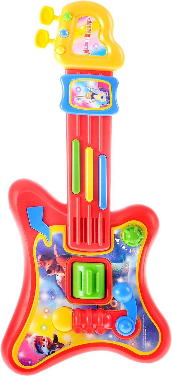 Играем вместе Электрогитара Маша и Медведь9012-RЭлектрогитара Играем вместе Маша и Медведь непременно понравится вашему ребенку и не позволит ему скучать. Игрушка выполнена из прочного и безопасного пластика. Электрогитара обладает световыми эффектами, содержит 5 песенок из мультфильма, рок-мелодию, рок-эффекты и звуковые эффекты. Имеется регулировка громкости. Музыкальный инструмент поможет ребенку развить слух, зрение, моторику и воображение, артистизм и творческое мышление. С такой игрушкой ваш ребенок порадует вас замечательным концертом! Рекомендуется докупить 3 батарейки типа АА (товар комплектуется демонстрационными).