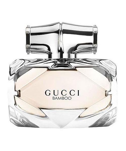 Gucci Bamboo Туалетная вода женская, 50 мл974561Туалетная вода Gucci Bamboo является новым ароматом от всемирно известного Дома Моды и воплощает все прелести современной женщины. В парфюме 2015 года тонко обыграны древесные ноты бамбука, которые одновременно передают нежность, изысканность девушки, переплетаясь с уверенностью и амбициозностью. Яркие компоненты наделяют аромат особой свежестью, присущей поистине молодой телом и душой личности. Лилия и апельсиновый цвет будто напоминают о лете и юности, когда точно начинаешь жить. Бодрящий бергамот дарит заряд энергии, освобождая наружу все тайные желания и мечты. Оригинальный флакон также акцентирует на особенности этого парфюма: нежный розовый оттенок и точные линии передают всю многогранность леди 21 века, уверенной в себе и целеустремленной. Парфюм от Gucci Bamboo Gucci – выбор настоящих женщин, знающих цену времени и молодости. Для любителей пробовать новое и экспериментировать эта туалетная вода станет абсолютным открытием!