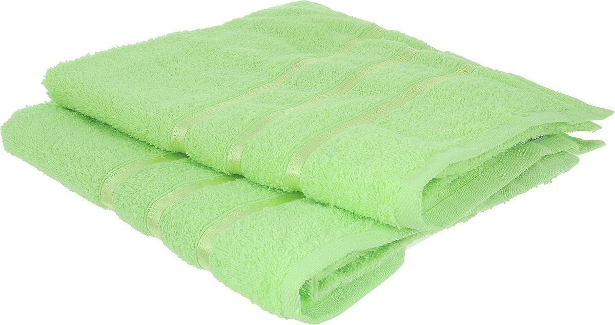 Набор полотенец Tete-a-Tete Ленты, цвет: салатовый, 50 х 85 см, 2 штУНП-101-14-2кНабор Tete-a-Tete Ленты состоит из двух махровых полотенец, выполненных из натурального 100% хлопка. Бордюр полотенец декорирован вышивкой в виде узких лент. Изделия мягкие, отлично впитывают влагу, быстро сохнут, сохраняют яркость цвета и не теряют форму даже после многократных стирок. Полотенца Tete-a-Tete Ленты очень практичны и неприхотливы в уходе. Они легко впишутся в любой интерьер благодаря своей нежной цветовой гамме. Набор упакован в красивую коробку и может послужить отличной идеей подарка.