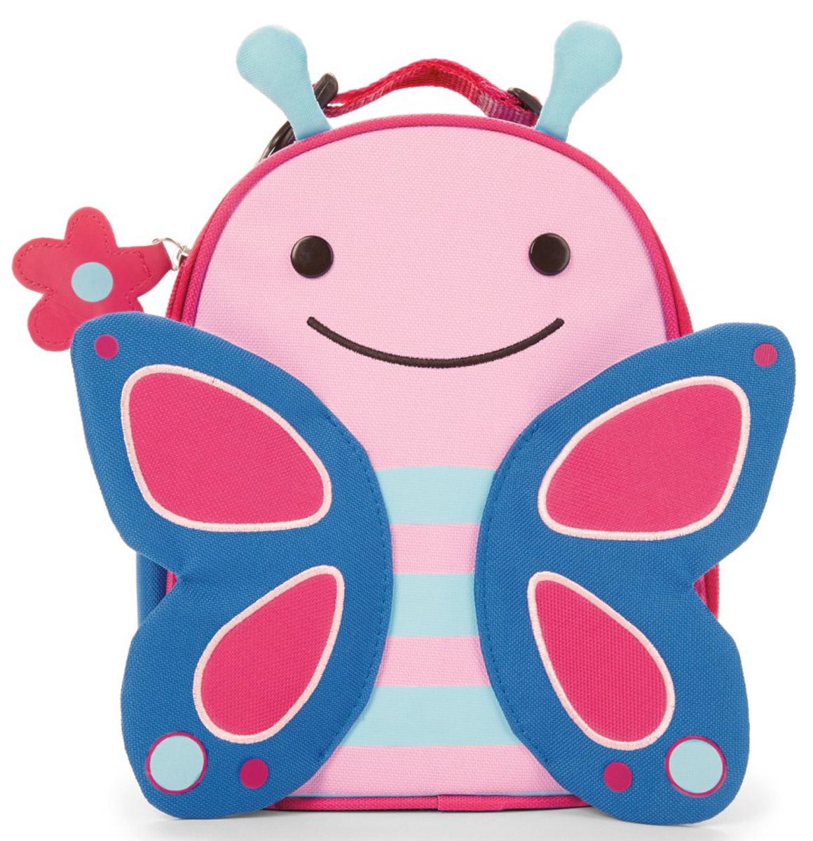 Skip Hop Сумка ланч-бокс детская БабочкаSH 212121Превосходный ланч-бокс Skip Hop Бабочка отлично сохранит свежесть и вкус продуктов для вашего ребёнка. Сумка с одним отделением изготовлена из прочного текстиля. Лицевая сторона декорирована изображением улыбающейся бабочки с крылышками и торчащими усиками. Внутренняя поверхность отделана термоизоляционным материалом, благодаря которому продукты дольше остаются свежими. Изделие закрывается на пластиковую застежку-молнию с удобным держателем на бегунке. Внутри имеется сетчатый карман для хранения аксессуаров и текстильная нашивка для записи имени владельца сумки. Ланч-бокс дополнен удобной текстильной ручкой с регулируемой длиной и пластиковым карабином. Такая сумка ланч-бокс пригодится везде: на прогулке, во время учебы, на отдыхе, во время путешествий.