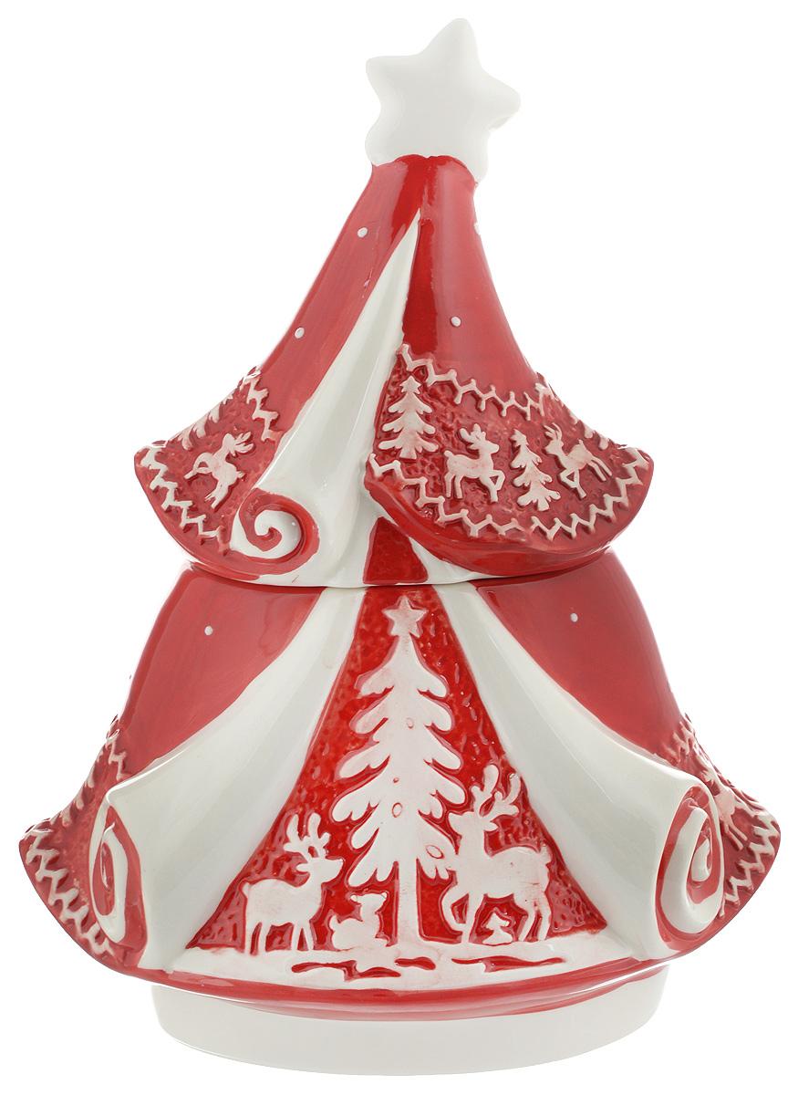 Конфетница Family & Friends Рождественский узор. Елка, с крышкой, 16 х 25 х 14,5 смNH15B503-1..Конфетница Family & Friends Рождественский узор. Елка изготовлена из качественной глазурованной керамики. Изделие по форме напоминает елку и декорировано рельефным орнаментом в виде оленей и елочек. Конфетница оснащена крышкой. В такой конфетнице удобно хранить конфеты, печенье, леденцы, а также бытовые мелочи. Такая конфетница красиво дополнит сервировку стола к чаепитию и станет полезным приобретением для любой хозяйки. Отличный подарок к любому случаю. Размер конфетницы (по верхнему краю): 10 х 12 см. Высота конфетницы (с учетом крышки): 29,5 см. Не рекомендуется использовать в микроволновой печи и мыть в посудомоечной машине.